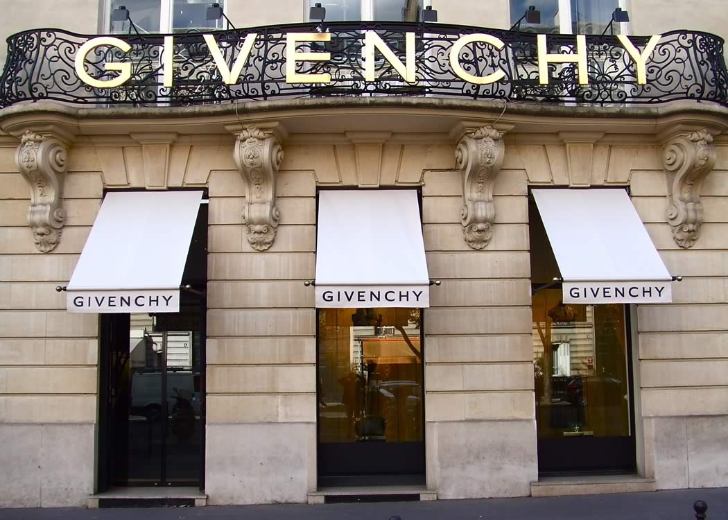 Bespoke Greenwich awnings used for Givenchy for Paris flagship store