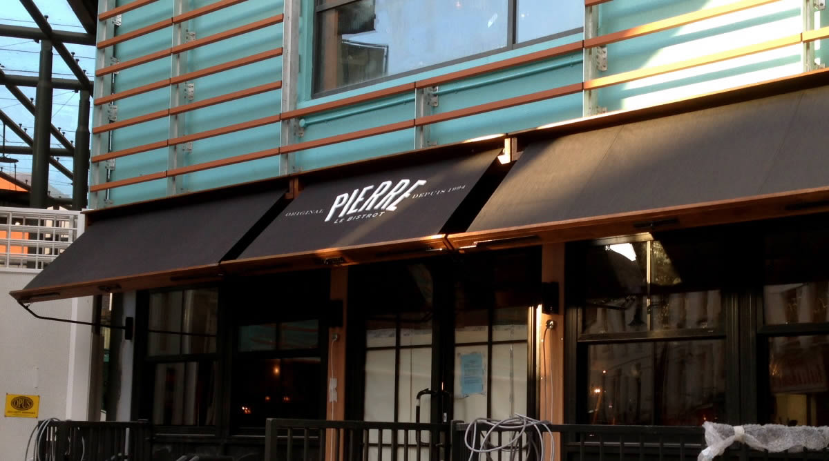 Le Bistro Pierre contract awnings